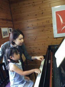 5歳児のピアノレッスン