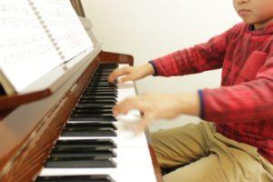 5歳男の子ピアノレッスン