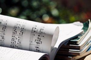 変奏曲を弾いて見よう